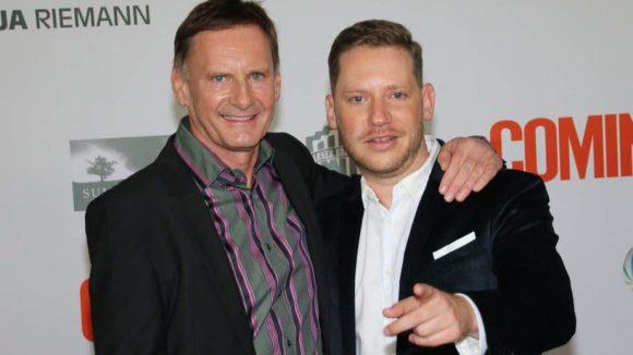 """Regisseur Marco Kreuzpaintner (rechts, hier mit Moderator Peter Illmann) war auch schon für Kinoerfolge wie """"Krabat"""" verantwortlich."""