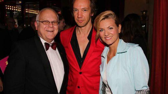 Wintergarten-Chef Georg Strecker (links) mit Sängerin Ella Endlich und Entertainer Sven Ratzke.