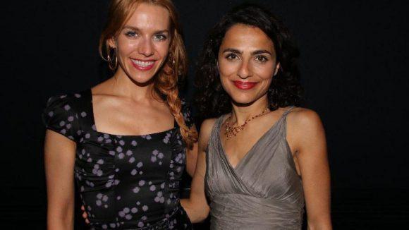 Sommerlich schick: Schauspielerin Julia Dietze und Kollgin Sesede Terziyan, die im Film die Fatma spielt.