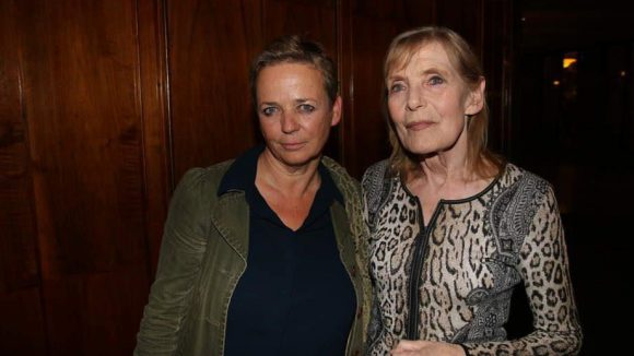 """Noch einmal Margit Carstensen mit Annekatrin Hendel (links), der Regisseurin von """"Fassbinder""""."""