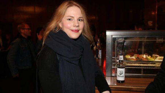 """Anna-Maria Hirsch ist gerade in """"Tod den Hippies, es lebe der Punk!"""" im Kino zu sehen."""