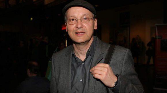 """""""Kino King"""" Knut Elstermann führte als Moderator durch den Abend."""