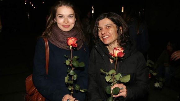 """Mutter-Tochter-Gespann: """"Die kleine Meerjungfrau"""" Zoe Moore und Regisseurin Elke Weber-Moore."""