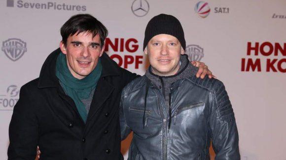 "Hannes Wegener (links, ""Grand Budapest Hotel"") stand gerade für Regisseur Marco Kreuzpaintner (""Krabat"") vor der Kamera."
