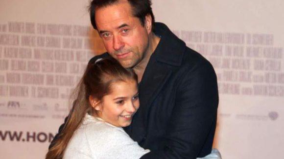 Jan Josef Liefers Tochter Lilly spielt im Film die beste Freundin von Emma alias Tilda.