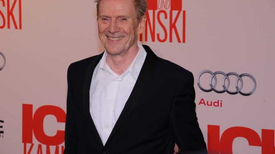 """Jesper Allan Christensen kennt man aus den letzten drei """"Bond""""-Streifen und jetzt auch als den greisen Maler aus """"Ich und Kaminski""""."""