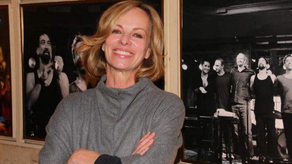 Hier die Gäste des Filmabends, in dem der Schauspieler die Zuschauer mit auf eine sehr persönliche Reise durch sein musikalisch geprägtes Leben nahm: Moderatorin Bettina Rust ...