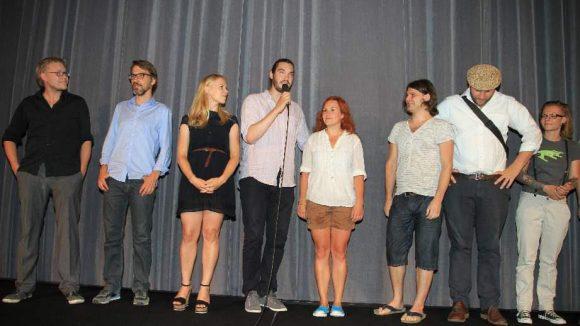 ... und der junge Regisseur Aron Lehmann (Mitte) stellte die ganze Filmcrew persönlich vor.