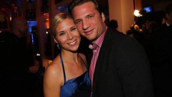 Die ehemalige Eiskunstläuferin Tanja Szewczenko mit ihrem Partner Norman Jeschke, der ebenfalls auf dem Eis zu Hause ist.