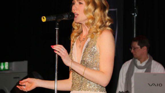 Einen Live-Auftritt gab es von Diana Moon.