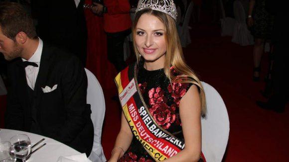 Zu seinen Gästen gehörte eine Schönheitskönigin, Miss Deutschland 2013 Elena Schmidt.
