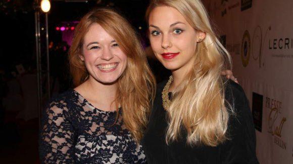 Ebenfalls vor Ort: Schauspielerin Madeleine Krakor (l.) mit Schwester Marie ...