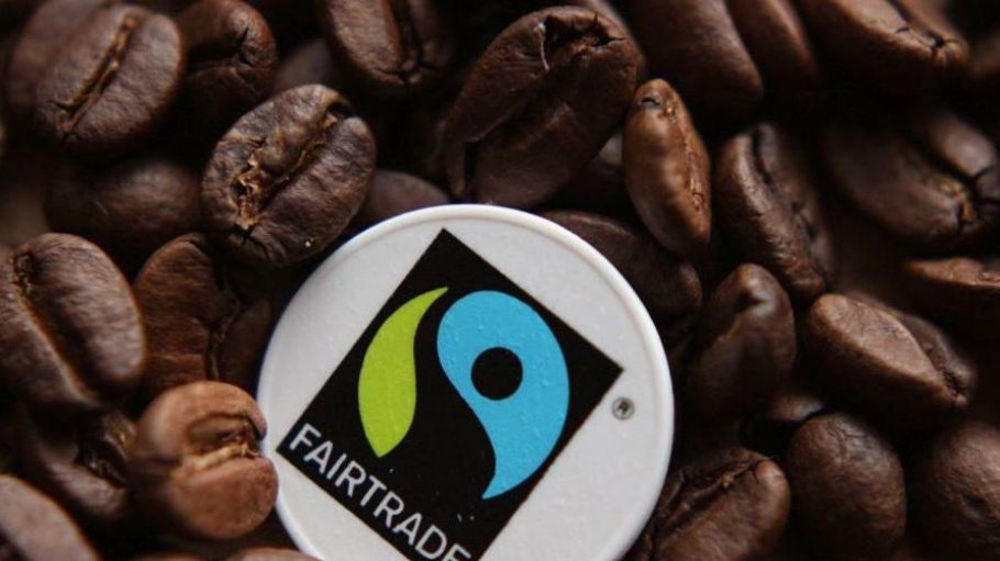 Dieses Siegel tragen viele Produkte, die in den Weltläden angeboten werden.