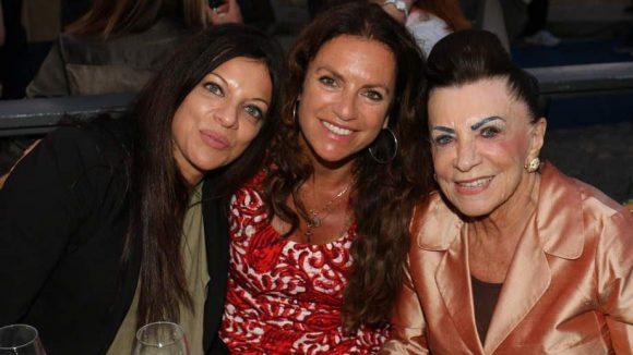 Christine Neubauer zwischen zwei Mitgliedern der großen Filmfamilie Brauner: Produzentin Alice (l.) und Mutter Maria (r.).