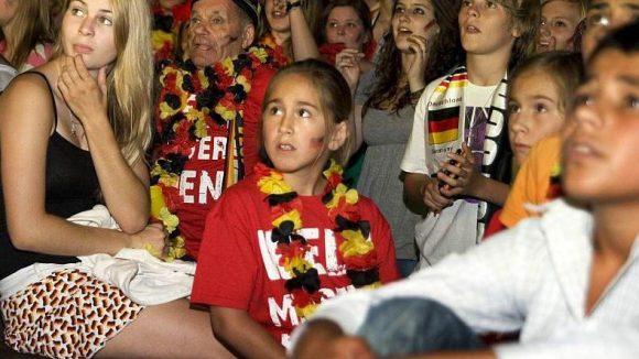 """Auch in Neukölln heißt es bald wieder: """"Deutschland vor, noch ein Tor!"""""""