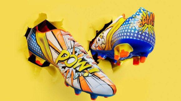 Der neue evoPOWER Fußballschuh mit Pop Art Print wurde erst in diesem Monat von Puma vorgestellt. Namhafte Sportler wie Cesc Fàbregas und Mario Balotelli werden ihn tragen. Und vielleicht kann man ihn auch im neuen Flagship Store der Marke bestaunen?