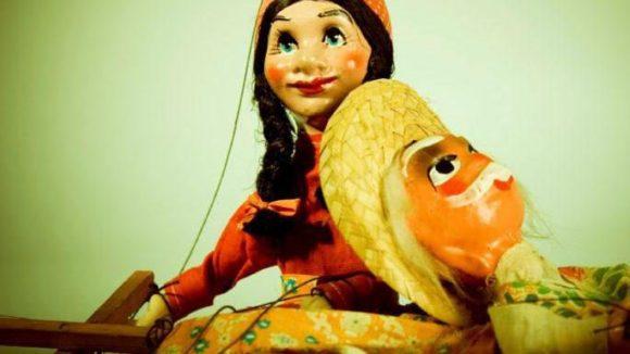 Lasst die Puppen tanzen! Das Marionettentheater lässt Kinderaugen strahlen. Einige Berliner Puppentheater spielen auch Stücke für Erwachsene.