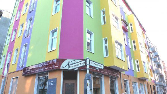 Bunte Fasaaden an der Ecke Antwerpener Straße/Brüsseler Straße.