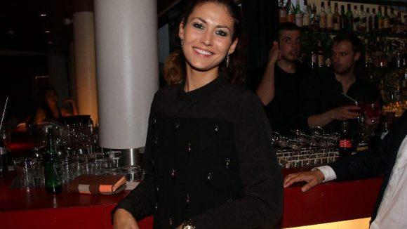 Fiona Erdmann sorgte bei der QIEZ-Party für viel Aufmerksamkeit bei den männlichen Gästen.