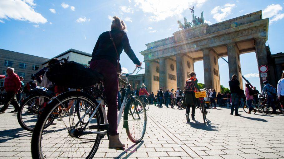 Auf zwei Rädern in den Frühling! Heute könntest du ein echtes Fahrrad-Schnäppchen machen.