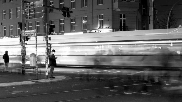 Auf der Tramlinie M10 ist Tag und Nacht was los - das Kulturradio hat ganz verschiedene Fahrgäste für seine Hörstück-Reihe interviewt.