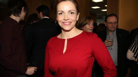 Rebecca Immanuel zeigte sich in feschem Rot.