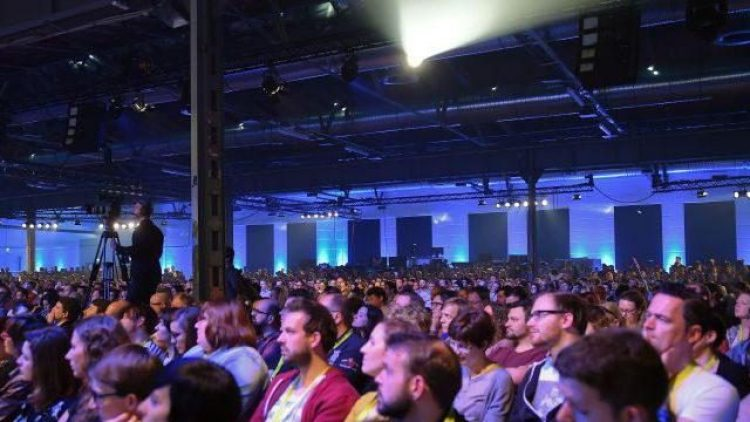 Aus einem kleinen Bloggertreffen ist eine Konferenz mit vielen tausend Besuchern geworden