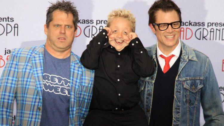 Regisseur Jeff Tremaine (l.) mit den Darstellern Jackson Nicoll (Mitte) und Johnny Knoxville.