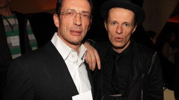 Regisseur Oskar Roehler (links) war da.