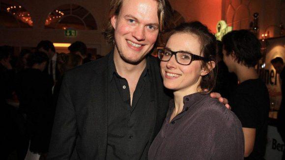 """Haben auch einen Film auf der Berlinale: Regisseur Tom Sommerlatte und Schauspielerin Karin Hanczewski. Der Streifen heißt """"Auf den Hund gekommen""""."""