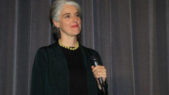 Regisseurin des Streifens: Anne Wild.