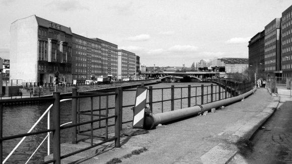 Reichstagufer in Mitte, 1997.