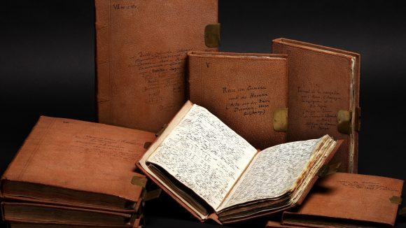 Alexander von Humboldt arbeitete lebenslang mit seinen Aufzeichnungen, fügte Zettel hinzu, trennte Seiten heraus und fügte sie an anderen Stellen seines Nachlasses wieder ein.