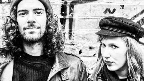 René und Chrissi von der Band Prada Meinhoff zeigen uns die coolsten Ecken zum Abhängen in Treptow.