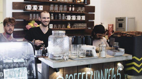 """Während vorne das neue Café """"Kike's Coffee Canteen"""" eröffnet hat, befinden sich in den hinteren Räumen die Büros von Bonaverde."""