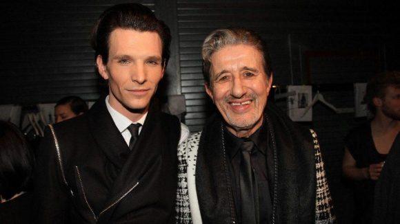 Die Schauspieler Rolf Zacher und Sabin Tambrea ...