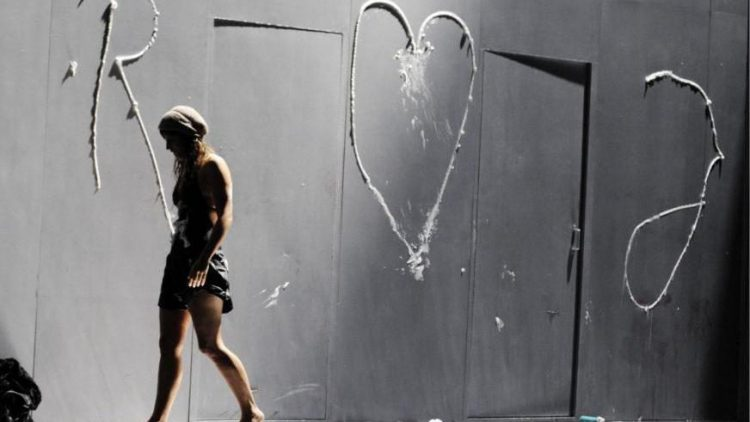 """Das Stück """"Romeo und Julia"""" ist ein beliebter Klassiker - hier eine Szene im Maxim Gorki Theater."""
