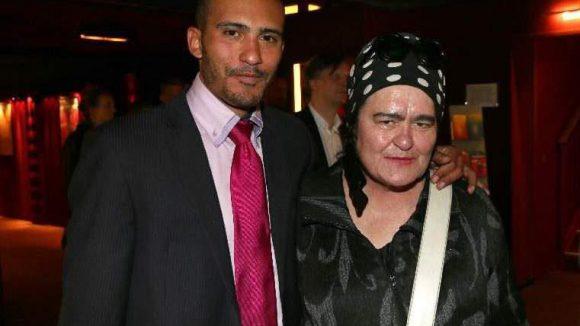 Die Berliner Künstlerin Elvira Bach brachte ihren Sohn Lamine mit.
