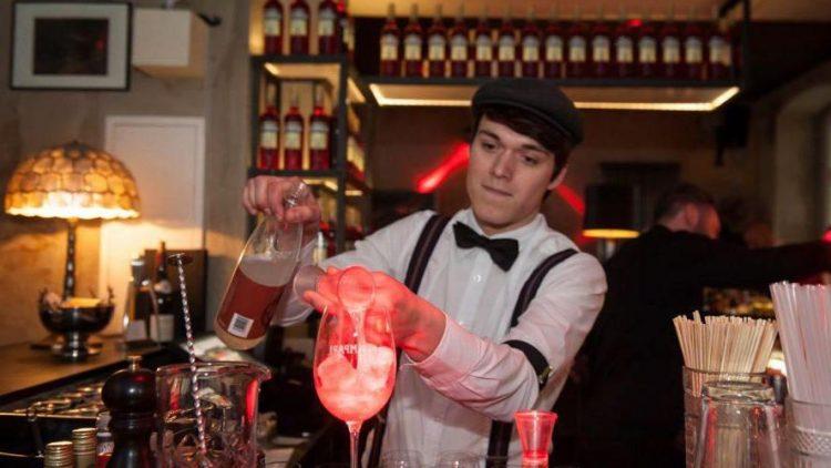 Nicht nur im Szene-Hot-Spot The Grand werden feine Campari-Cocktails kreiert.