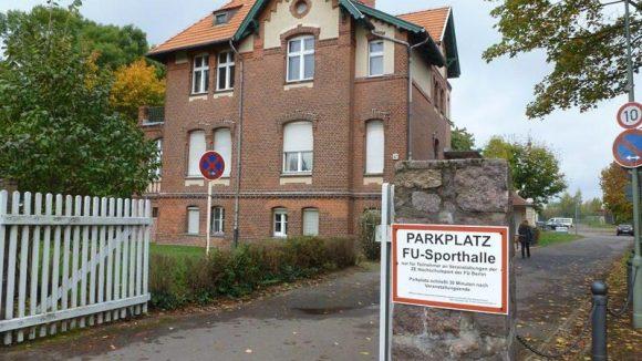 Dieser Altbau gehört wie viele andere Villen im Viertel zum Uni-Komplex.