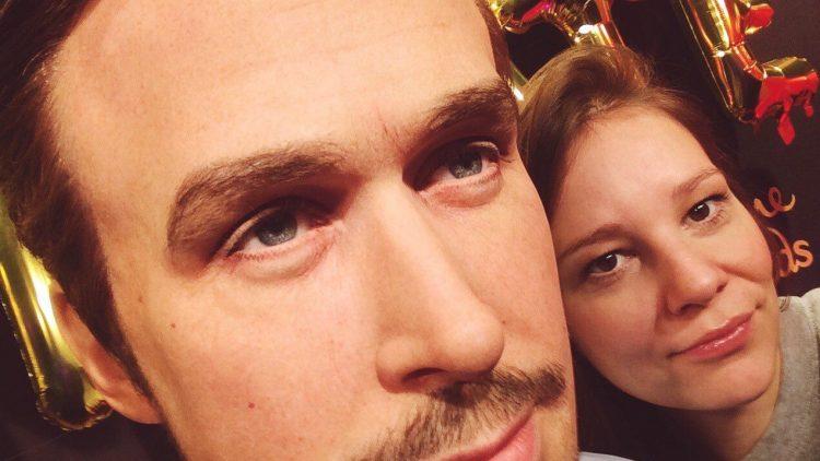 Dieser Blick... Kein Wunder, dass die Ladys Ryan Gosling reihenweise zu Füßen liegen. So wie QIEZ-Redakteuin Maria (rechts).