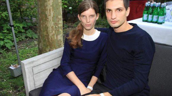 Die Designer wurden im Rahmen einer exklusiven Soirée von Samsung präsentiert. Zu Gast waren auch Max von Gumppenberg und Model Luca Gadjus.