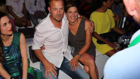 Wie frisch verliebt: Schauspieler Heino Ferch und 'seine' Marie-Jeanette.