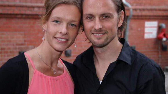 """Schauspieler Axel Schreiber (""""Türkisch für Anfänger"""") mit seiner Freundin Lydia Lucke."""