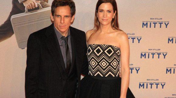 Hier mit seiner Kollegin Kirsten Wiig, die im Film sein einziger Lichtblick ist ...