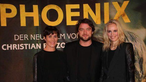 """Noch ein Schwenk auf die Karl-Marx-Allee, wo """"Phoenix"""" Premiere feierte. In den Hauptrollen: Nina Kunzendorf (l.), Ronald Zehrfeld und Nina Hoss."""