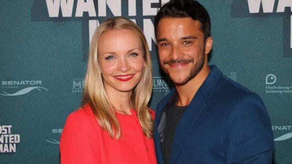 Kostja Ullmann spielt Rasheed, hier mit seiner Freundin, der Schauspielerin Janin Reinhardt.