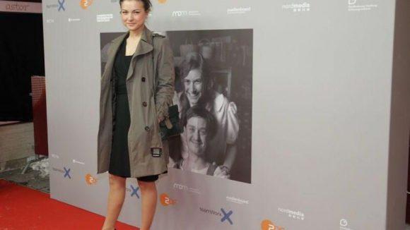 Spielt auch im Film mit: Henriette Richter-Röhl.