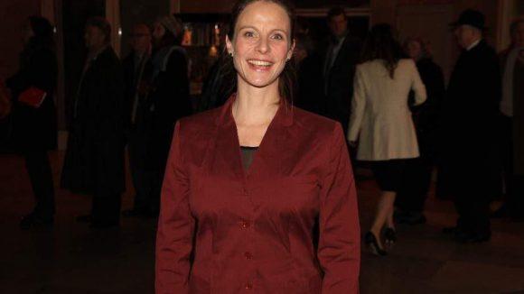 Weiter ins Schillertheater. Dort wurde der Theaterpreis Faust verliehen. Zu den Prämierten gehörten unter anderem die Schauspielerin Constanze Becker und der Regisseur Luc Perceval. Unter den Gästen war etwa Schauspielerin Julia Jäger.