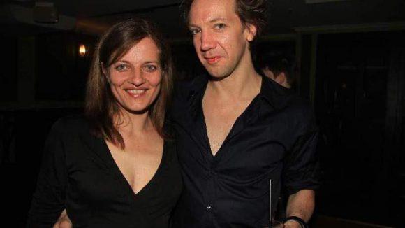 Die Hauptdarsteller Maria Schuster (Yitzhak) und Sven Ratzke (Hedwig).